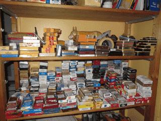Stockage des paquets de tabac sur l'étagère